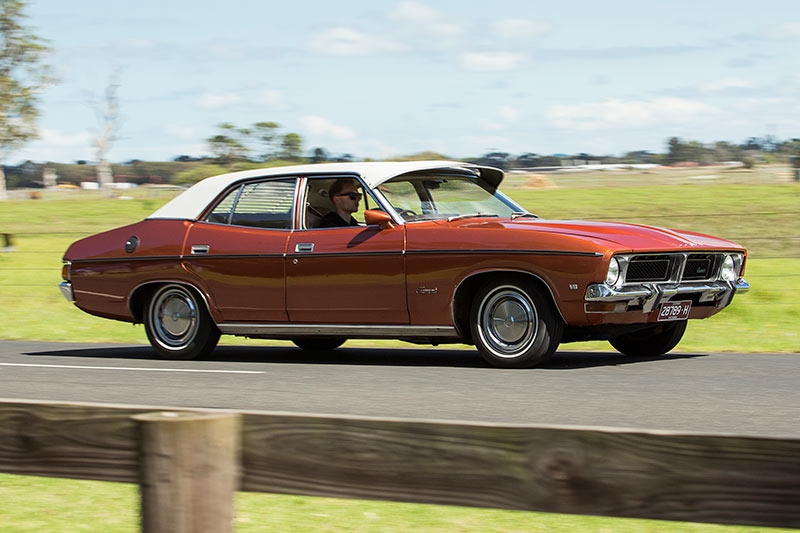 Ford -Falcon -XB-Fairmont -side -onroad