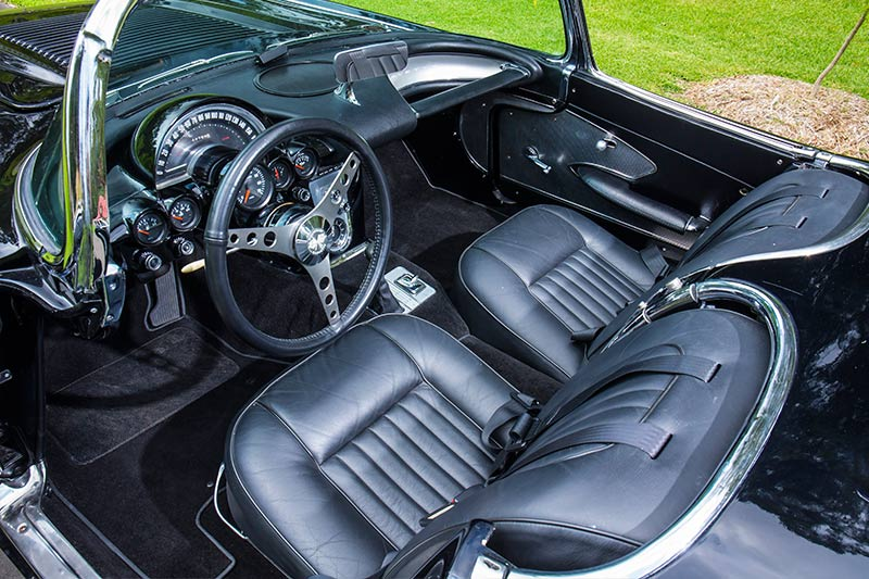 Chevrolet -Corvette -C1-interior