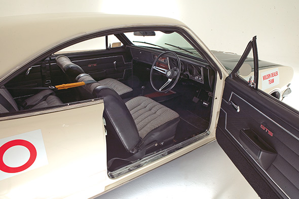 1969 holden ht 350 monaro gts racer. Black Bedroom Furniture Sets. Home Design Ideas