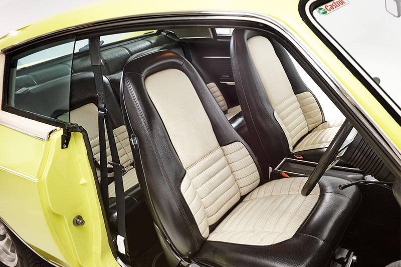 Chrysler -valiant -charger -interior -front