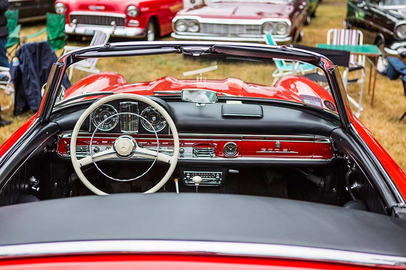 Mercedes -benz -300sl -interior