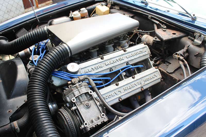 Aston -martin -series -3-v 8-engine -bay