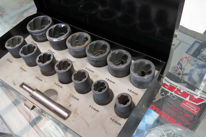 Car -nuts -bolts -5